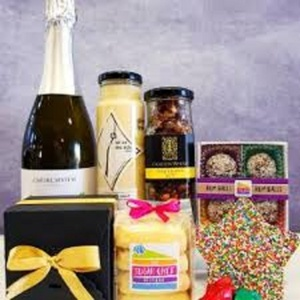 Gourmet Hampers Is A Perfect Gift.